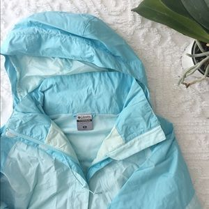 Women's Columbia raincoat